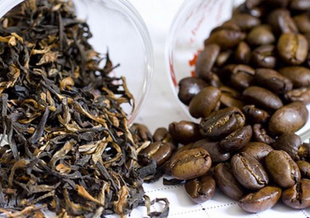 Καφές Vs Τσάι: Ποιο είναι πιο υγιεινό;