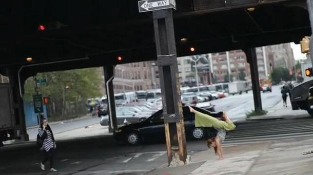 Η Yoga δεν είναι μόνο για το σπίτι ή το studio (Video)