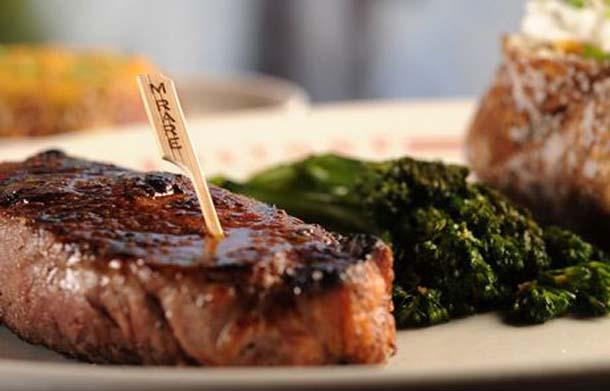 5 συνταγές που θα κάνουν τις μπριζόλες σου ζουμερές και πεντανόστιμες (1)