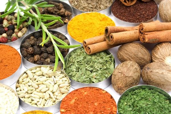Μπαχαρικά: Ποιο ταιριάζει με ποιο πιάτο