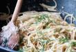 Σπαγγέτι aglio e olio από τον Άκη Πετρετζίκη