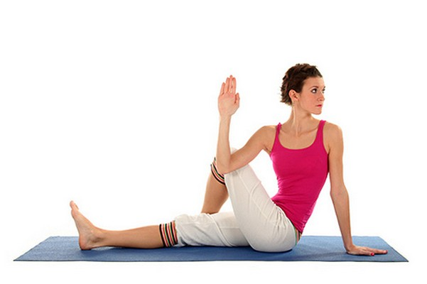 Yoga: Οι 8 καλύτερες στάσεις για γυναίκες